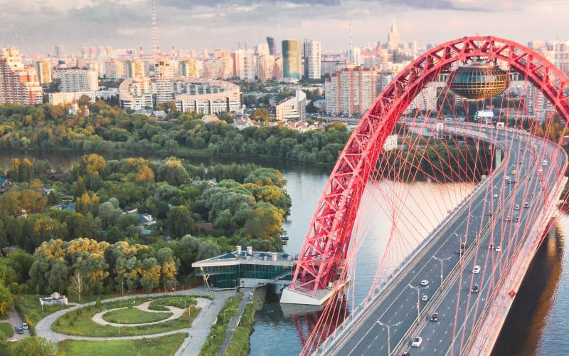 Петербург и Москва против коронавируса